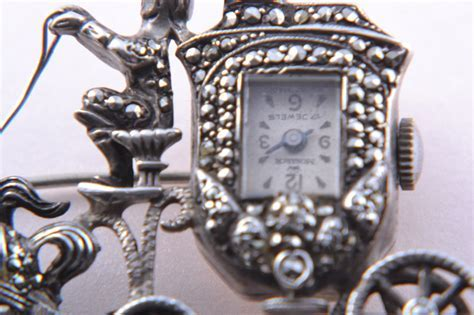 Silver Vintage 50?s Horse And Carriage Monarch Brooch