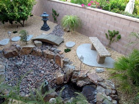 Small Pebble Garden Ideas 20 Lovely Japanese Garden Designs For Small Spaces