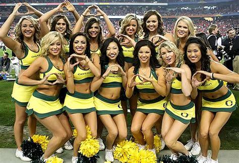Oregon Ducks Football Cheerleaders 2013 | the oregon ducks cheerleaders