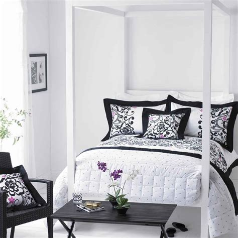 white decor black and white bedrooms designs home design inside