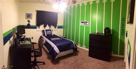 Seattle Seahawks Bedroom by 1000 Images About Ideas For The Bedrooms On
