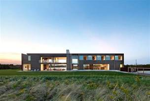 One Story House Designs Bates Masi Architects Carves A Home For Six At Sagaponack