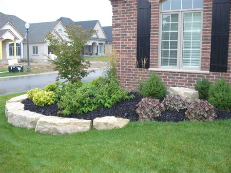 Gardening Ideas For Front Of House Flower Bed Landscaping Ideas Flower Idea