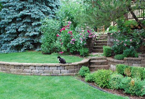 Wall Garden Design Ideas Startling Retaining Wall Blocks Decorating Ideas Images In Landscape Traditional Design Ideas
