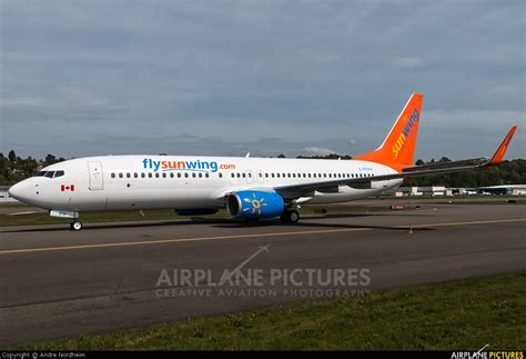 swing airlines c ffph sunwing airlines boeing 737 800 at seattle