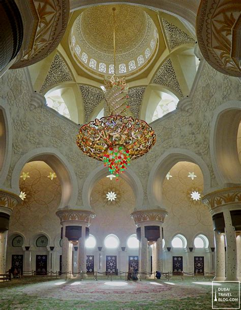 Sheikh Zayed Mosque Chandelier 48 Hours In Dubai 2 Day Diy Budget Itinerary Dubai Travel
