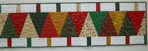 free pattern for christmas tree table runner this free quilt pattern is for the little zz it s a