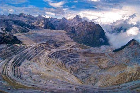free port freeport shares plunge on grasberg troubles mining
