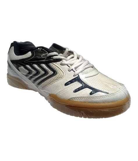 nivia sport shoes nivia hy court shoes white price in india buy nivia hy