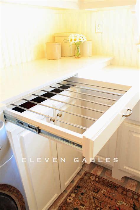 DIY slide out drying rack, laundry room = so smart