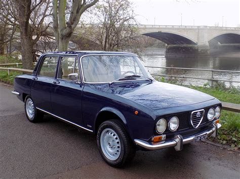 classic chrome alfa romeo 2000 berlina 1973 m blue