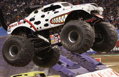 monster mutt monster truck videos monster truck monster mutt www pixshark com images
