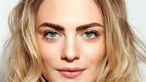 current eyebrow style what is microblading everything to know about this