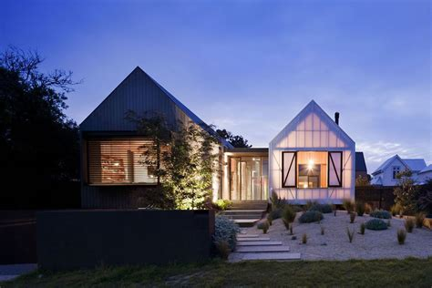 Farmhouse With Wrap Around Porch Plans by Beautiful Houses Seaview House In Australia