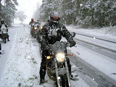 Motorrad Im Winter Draußen by Zijn Er Technische Alternatieven