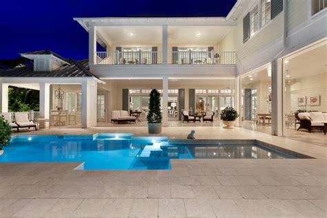 Home Design Fall 2013 Miami 外国二层别墅外观效果图大全2015图片欣赏 设计本装修效果图