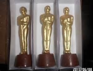 Oscar Favors by Chocolate Oscar Statues Favors Html Autos Weblog