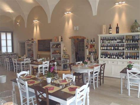 arredamento agriturismo tavoli sedie per ristoranti pub agriturismo a brescia