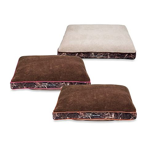 realtree dog bed buy realtree 174 max4 large camo bolstered pet bed with pink