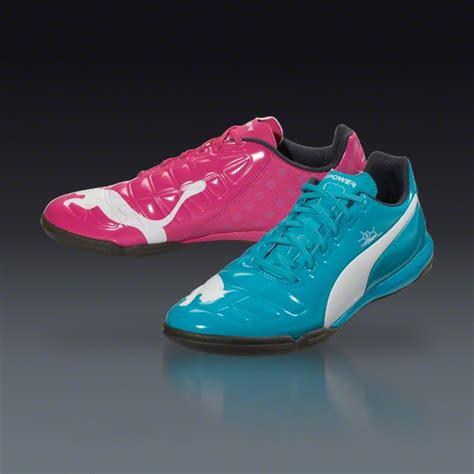 Exclusive Kaos Kaki Bola Futsal Terbaik brand sepatu futsal yang paling cocok anda pakai