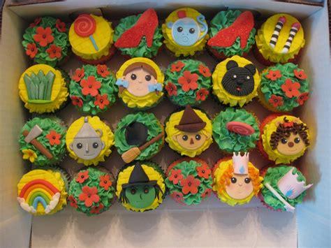 Wizard Of Oz House wizard of oz cupcakes