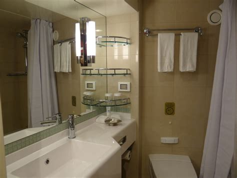 Regal Bathrooms by Regal Princess Cruise Ship Cabins And Suites
