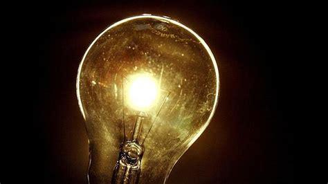 la luz tras la la luz acumula una subida interanual del 13 7 tras bajar cinco puntos en febrero