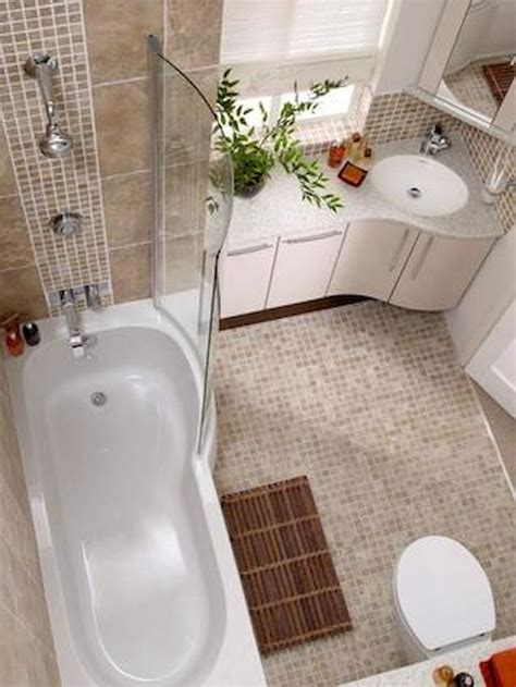 small bathroom with bathtub best 25 small bathroom bathtub ideas on pinterest small