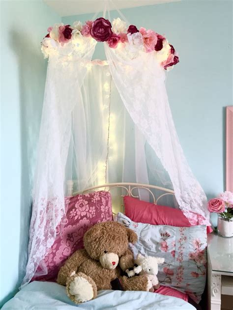 Flower Decorations For Bedroom by 25 Best Ideas About Lace Bedroom On Bedroom