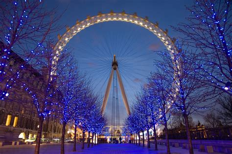 world visits london england at night view look very nice places to visit in england