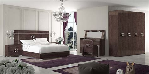 Classic Modern Bedroom Design by Modern Classic Bedroom Furniture Kyprisnews