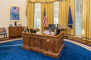 trump oval office renovation trump may not be able to work in the oval office for over