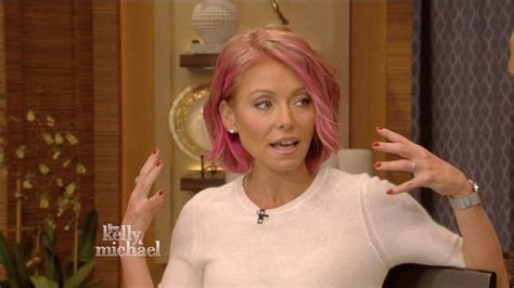 kelly ripa hair 2015 kelly ripa debuts pink hair on live with kelly michael