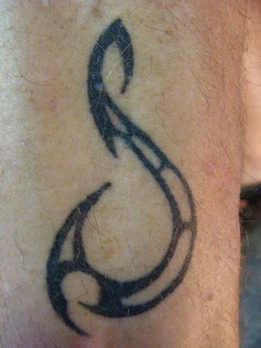 tribal fish hook tattoo fishermen tattoos dave jewell s tribal fish hook