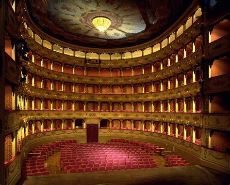 www di pesaro it concerto di capodanno al teatro rossini di pesaro