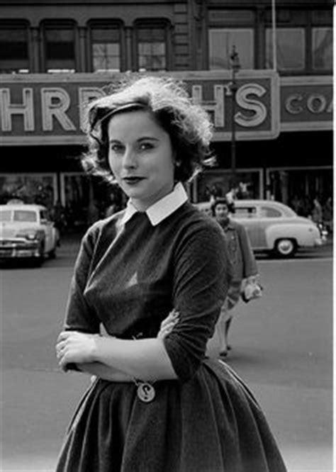 1950 teenage hairstyle 1950s fashion for teens styles trends pictures gr612