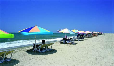 largest beach in the world world largest beach world largest sea beach