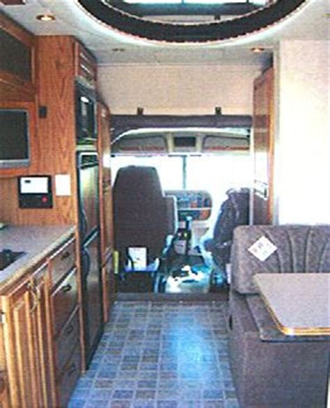 do 18 wheelers have bathrooms 100 ideas to try about semi truck interiors upholstery