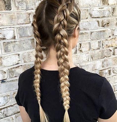 la tresse littrature franaise les 25 meilleures id 233 es de la cat 233 gorie coiffures sur tresses cheveux et cheveux brades
