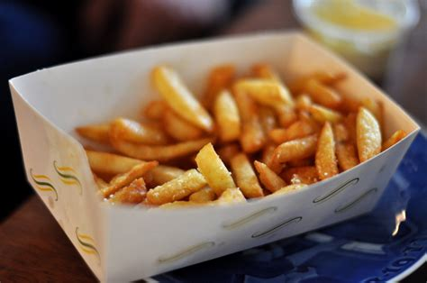 Pedestal Bathtub by 10 Things You Did Not Know About Belgian Fries