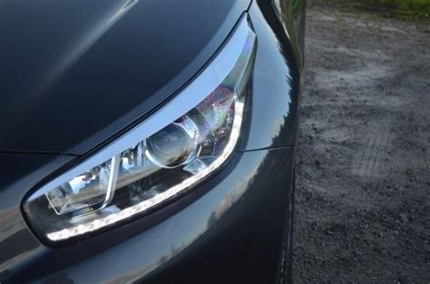 kia ceed headlight kia cee d sportswagon 1 6 crdi uk review carwow