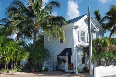 Duval Inn Key West Heated Pool Heavenly Beds