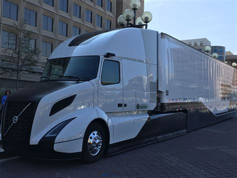 volvo freight trucks volvo shows its supertruck achieves 88 freight