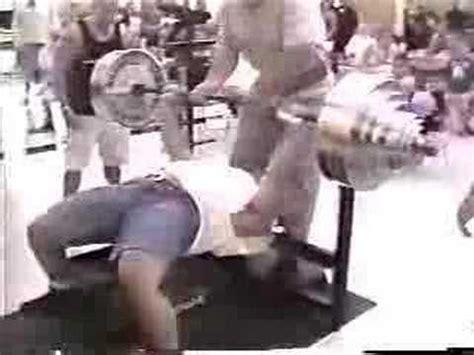ryan kennelly bench ryan kennelly benchpress 600lb 272 5kg x 2 raw youtube