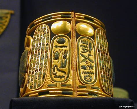 Gold bracelet: treasure of the royal tombs Tanis, ca 1070