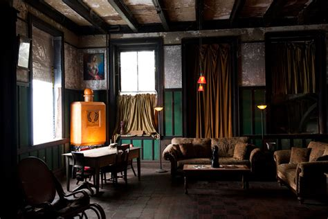 画像 味のあるヴィンテージソファで男の部屋作り naver まとめ