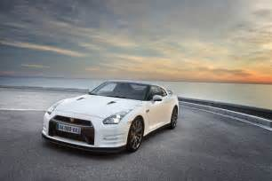 Nissan Gtr In The Great Performance Of Nissan Gtr Frontart