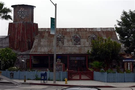 the strip house music death of the sunset strip house of blues saying goodbye