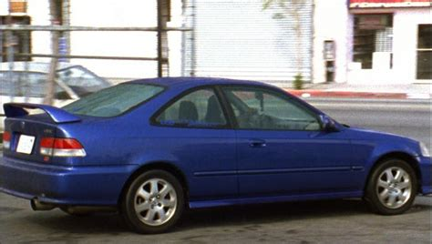 imcdb org 1999 honda civic coupe si em1 in quot the shield