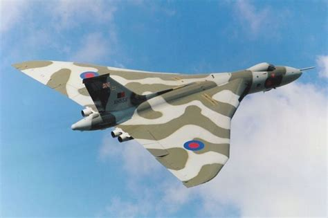 Boomber Voolcon raf vulcan bomber cool machines